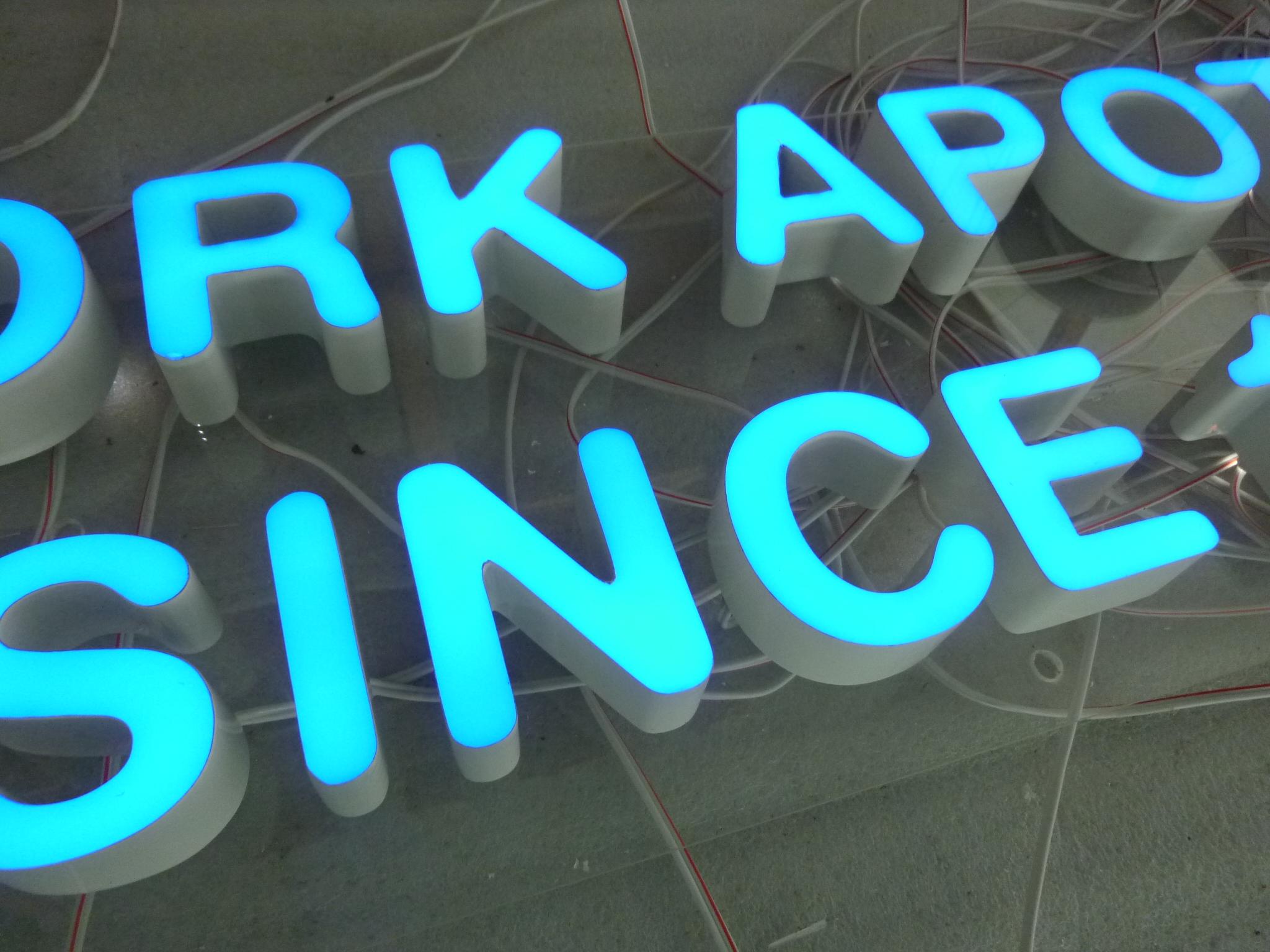 front lit led acrylic letter front illuminated